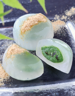 Matcha Mizu Manju <br/> (green powdered-tea-flavored jelly)<br/> Cha Cha Maru